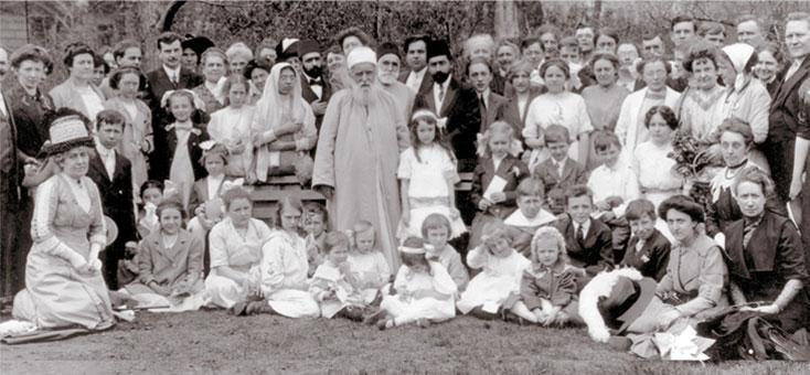 'Abdu'l-Bahá (i mitten) vid Lincoln Park, Chicago, 1912